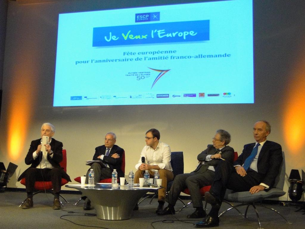 De gauche à droite: P. Herzog, J. Barrot, A. Kowalski, D. Moïsi et J-D. Giuliani. Photo: Valentin Heid