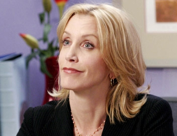 Lynette Scavo in Desperate Housewives. Capture saison 2 épisode 9